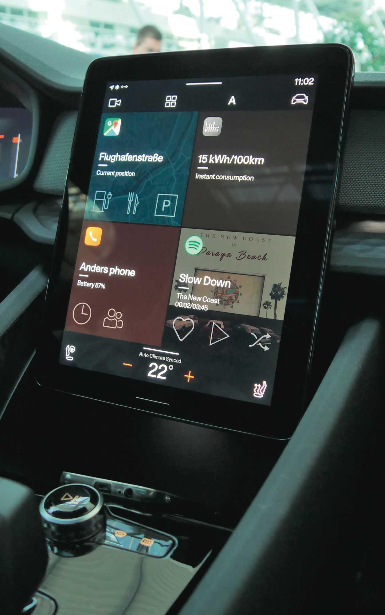 Android Automotive ähnelt dem bekannten Android Auto, hat aber zusätzlich auch Zugriff auf Fahrzeugfunktionen.