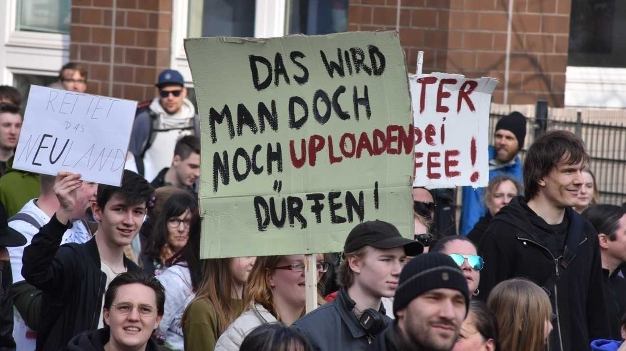 Copyright-Reform: Zehntausende demonstrieren in Berlin gegen Upload-Filter