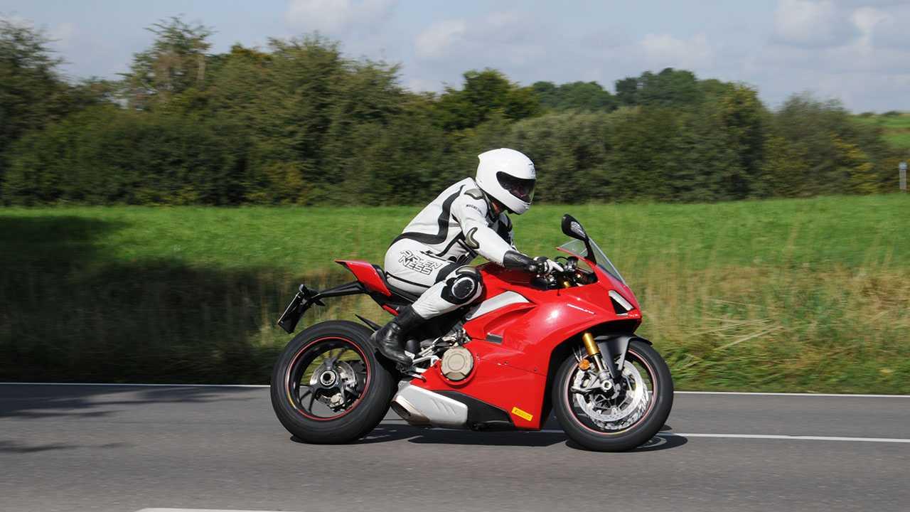 Fahrbericht Ducati Panigale V4 S