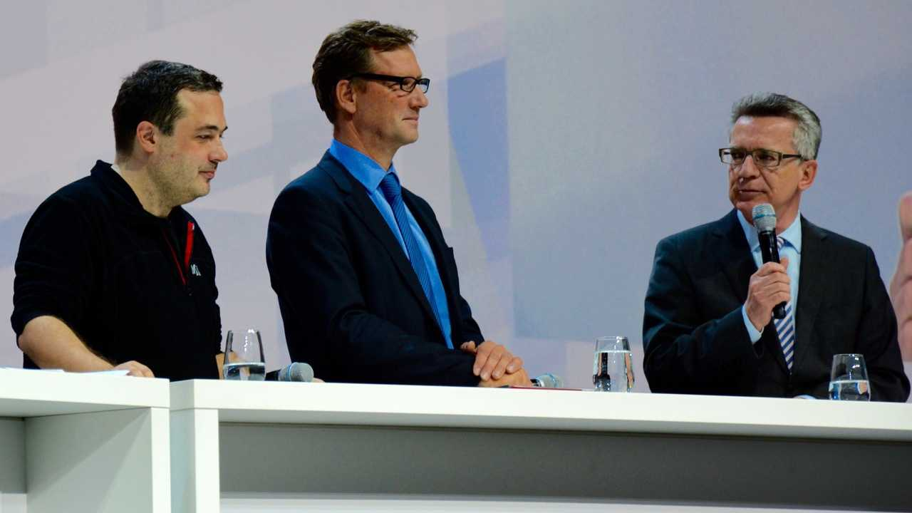 """IT-Gipfel: Produkthaftung gegen die """"digitale Sorglosigkeit"""""""