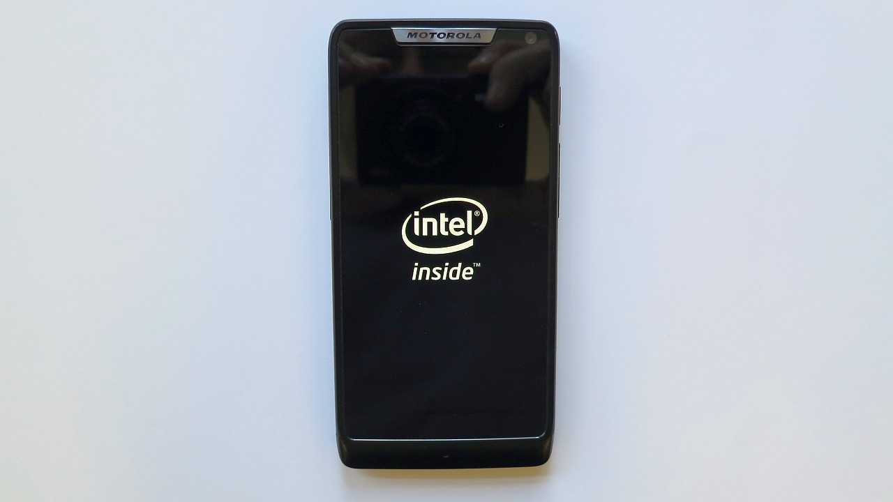 Smartphone Motorola Razr i mit Intel Atom