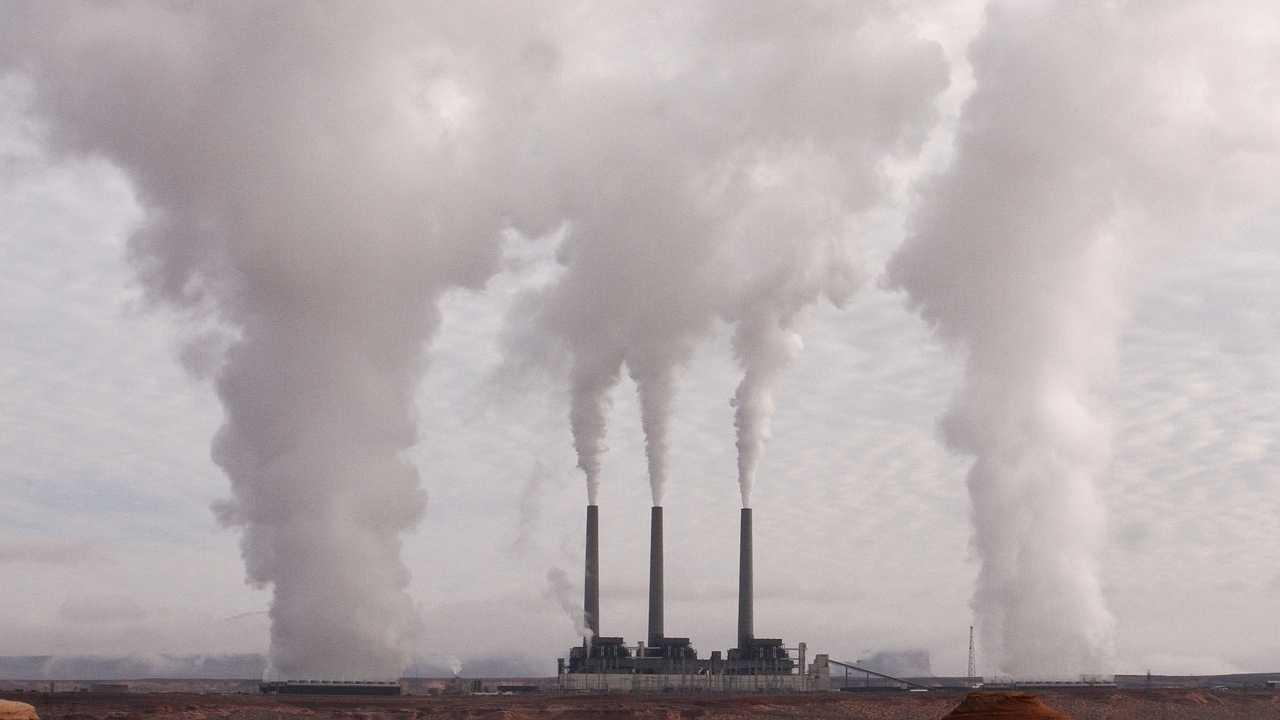 EWE-Chef: Alle Luftverschmutzer sollen für Abgase bezahlen