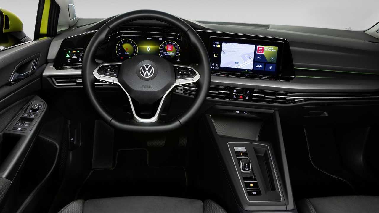 VW Golf 8 Cockpit