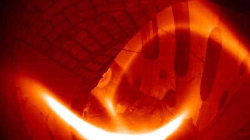 Fusionsexperiment Wendelstein 7-X erzeugt erstes Wasserstoffplasma