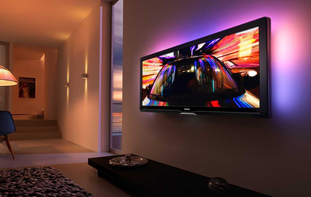 2009 brachte Philips den weltweit ersten LCD mit einem Seitenverhältnis von 16:9  für die Wiedergabe von Cinemascope-Filmen ohne Balken auf den Markt.