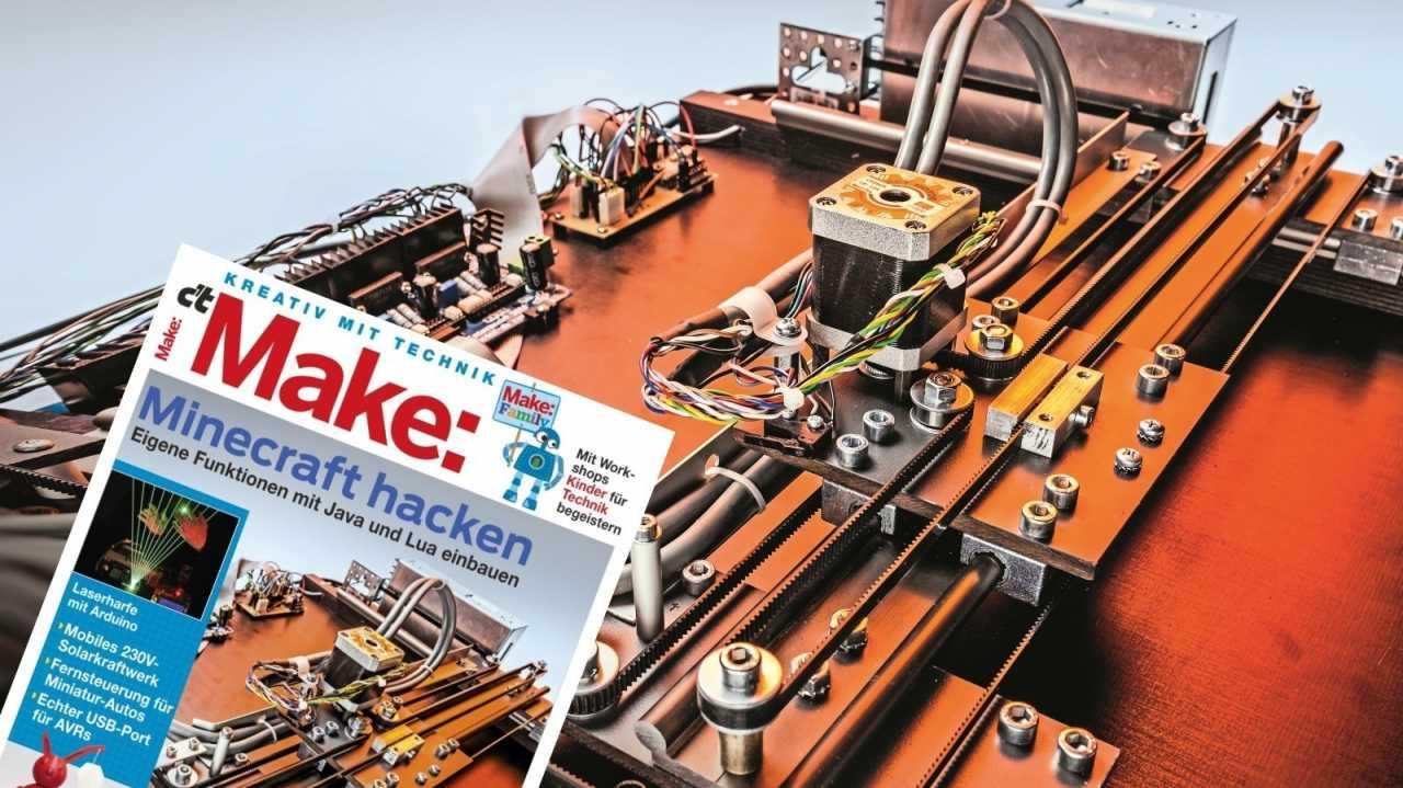 Der XY-Portalroboter MaXYposi, davor das Cover der Zeitschrift Make, Ausgabe 1/17