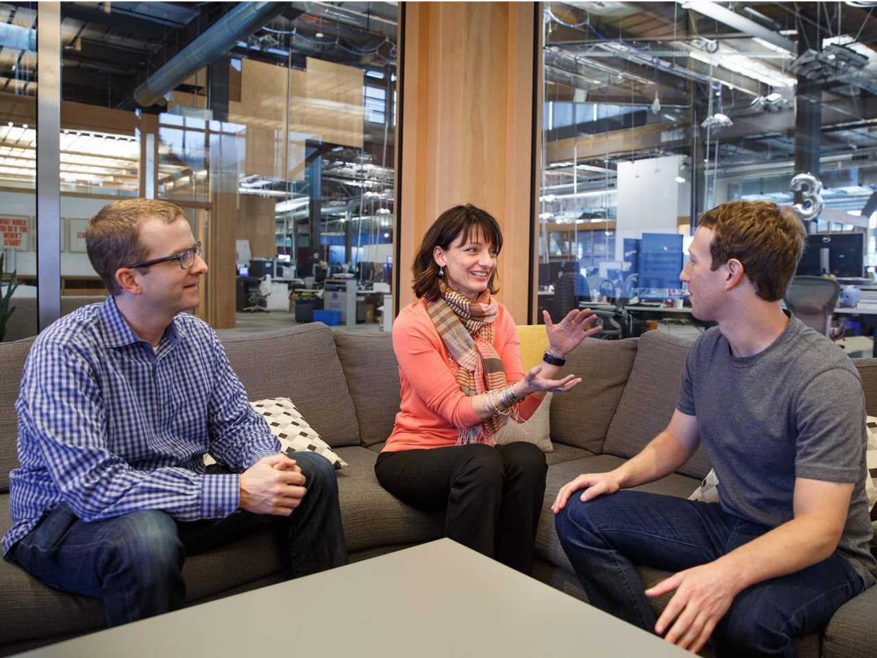 """""""Building 8""""-Chefin Regina Ducan und Facebook-Chef Mark Zuckerberg (rechts) schmieden Pläne für die Zukunft. Gehört dazu eine Facebook-Drohne?"""
