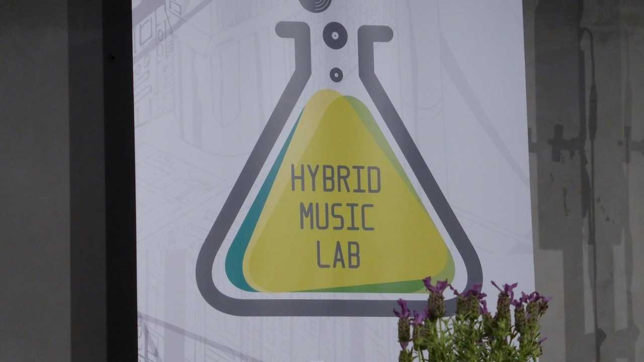 """Künstliche Intelligenz: """"Fake Music"""" auf dem Vormarsch"""