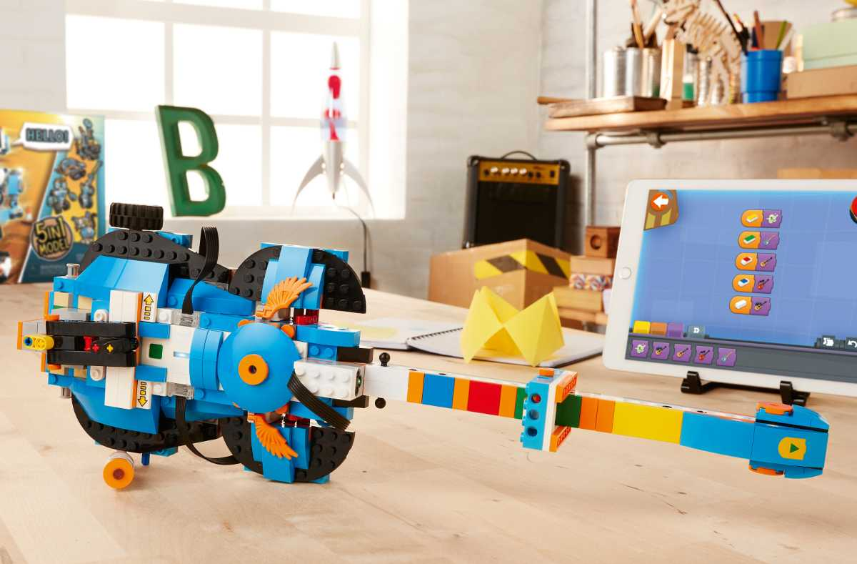 Diese Gitarre aus dem Lego Boost-Baukasten konnten die Kollegen von c't vorab schon mal ausprobieren.
