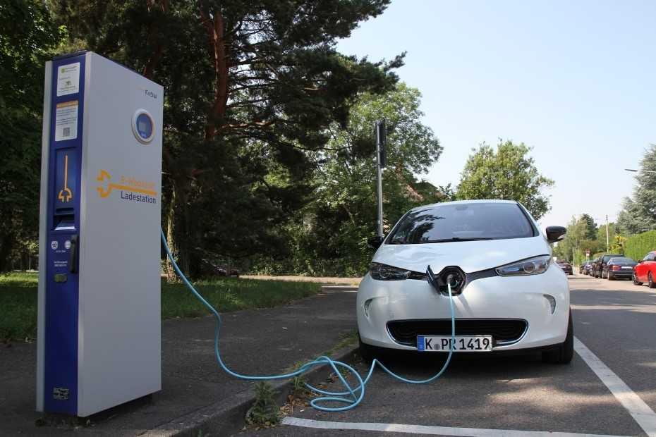 Klartext: Das Elektroauto wird uns nicht retten | heise Autos