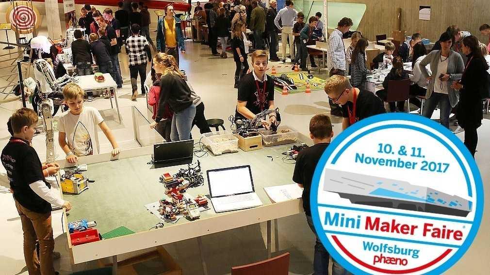 """Kinder im Wissenschaftsmuseum Phaeno mit dem Button """"10. & 11. November 2017: Mini Maker Faire Wolfsburg phaeno"""""""