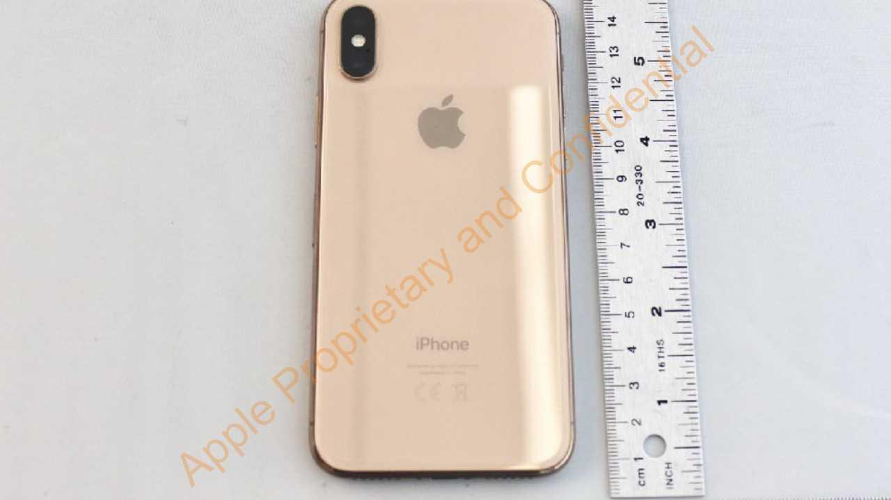 iPhone X in Gold