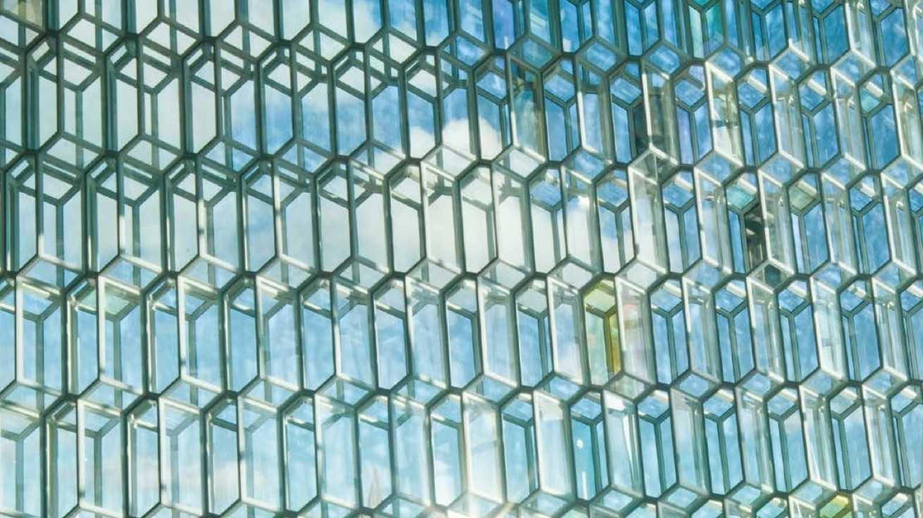 Rekordgewinn für Schott – Konzern setzt auf Glas für Falt-Displays