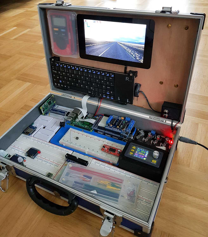 Raspberry-Pi-Koffer mit magnetisch austauschbaren Modulen