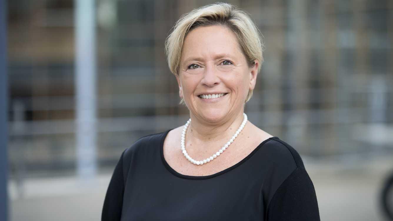 Skype-Bewerbung: Kultusministerin Eisenmann kündigt Überarbeitung an