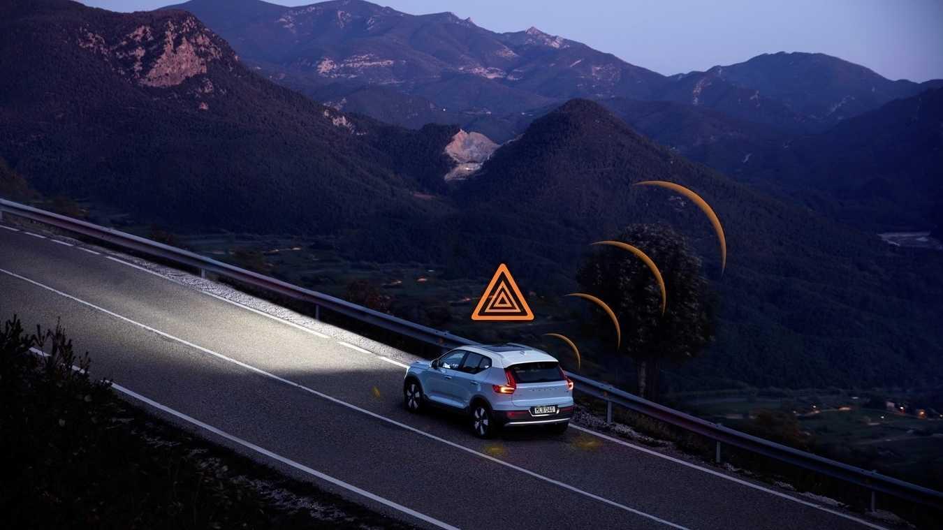 Volvos warnen sich gegenseitig vorm Rutschen