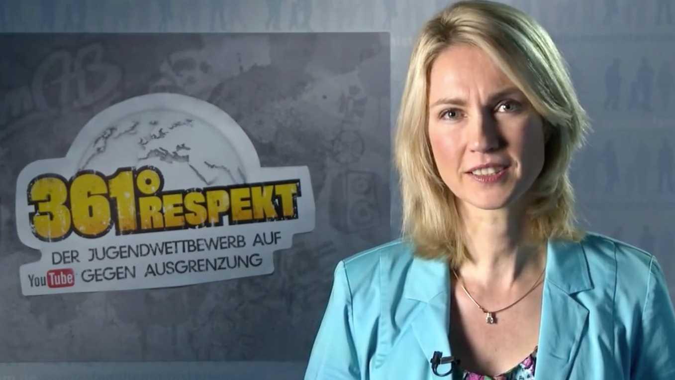 Familienministerin Schwesig setzt sich gegen Mobbing im Netz ein