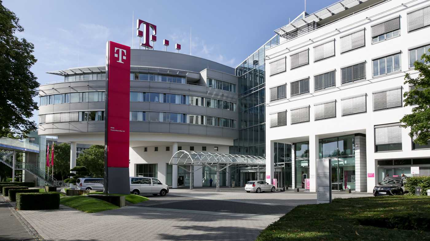 Deutsche Telekom vom starken Euro belastet