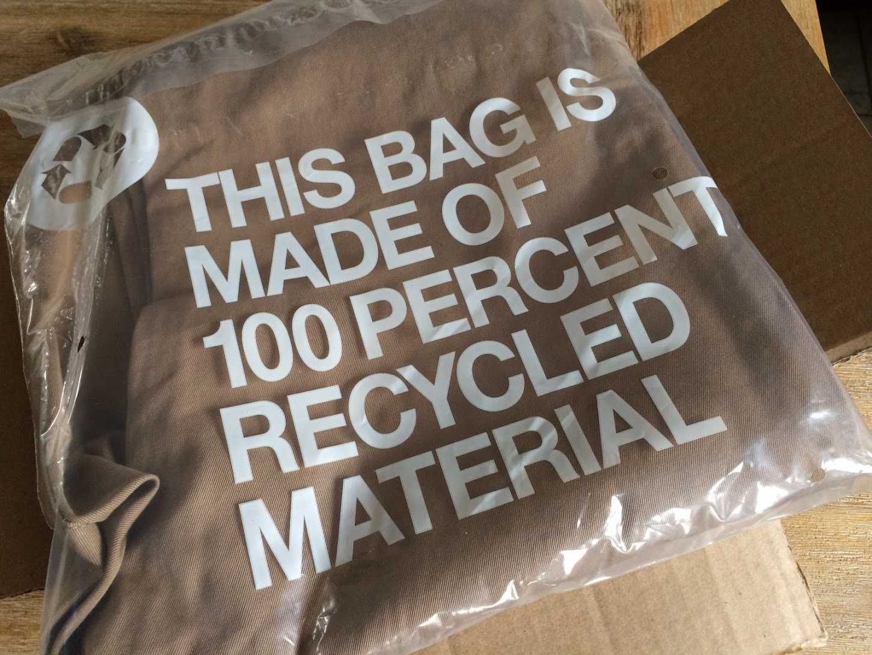 Verpackungstüte aus Recycling-Plastik