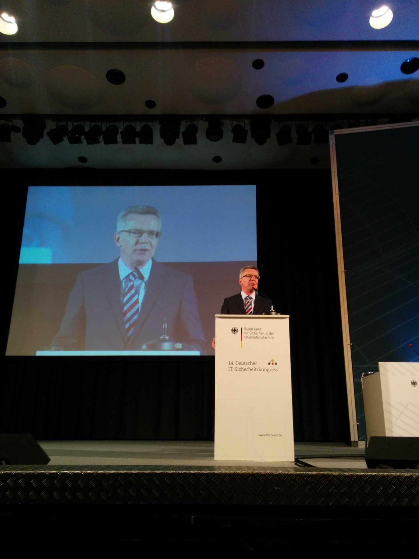 BSI-Kongress: de Maizière beklagt digitale Sorglosigkeit