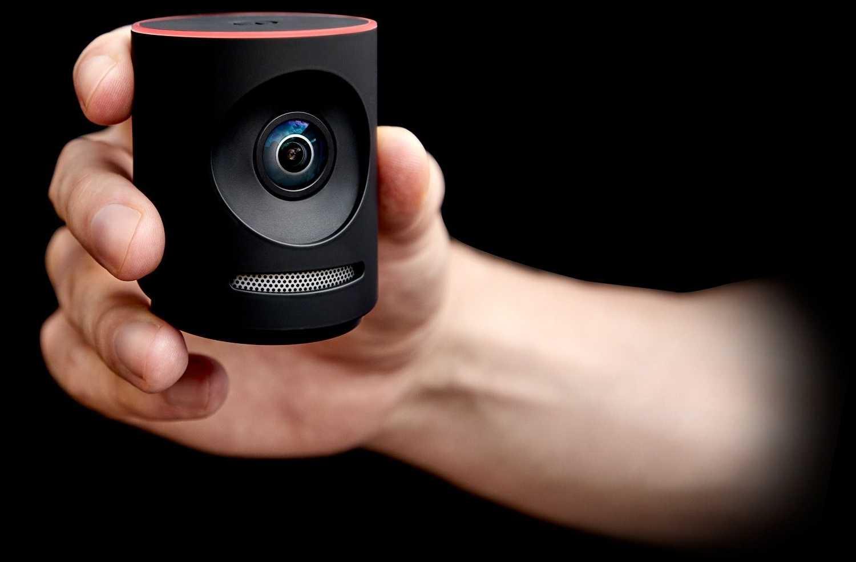 Handlich im wahrsten Sinne des Wortes: Die Streaming-Cam Mevo Plus.