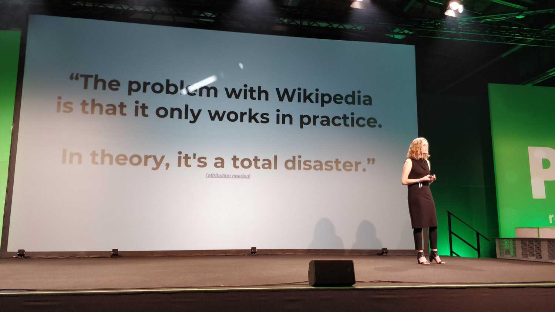 """Wikipedia: """"In der Theorie ein totales Desaster""""."""