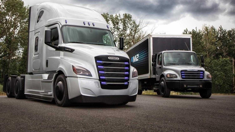 Elektromobilität: Erster Daimler-E-Lkw für Praxiseinsatz in USA übergeben