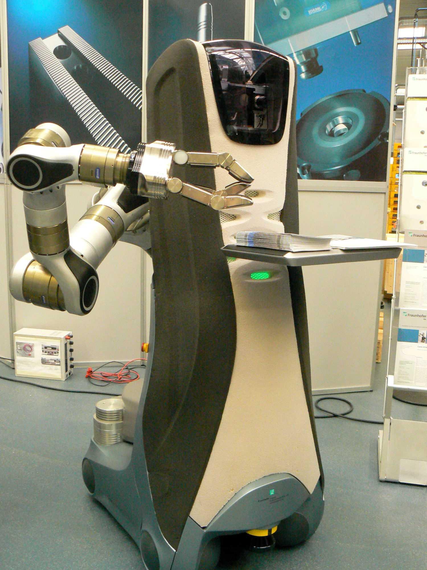 Ein Roboter zur Hilfe in der Pflege: Der Care-O-bot 3 vom Fraunhofer-Institut für Produktionstechnik und Automatisierung