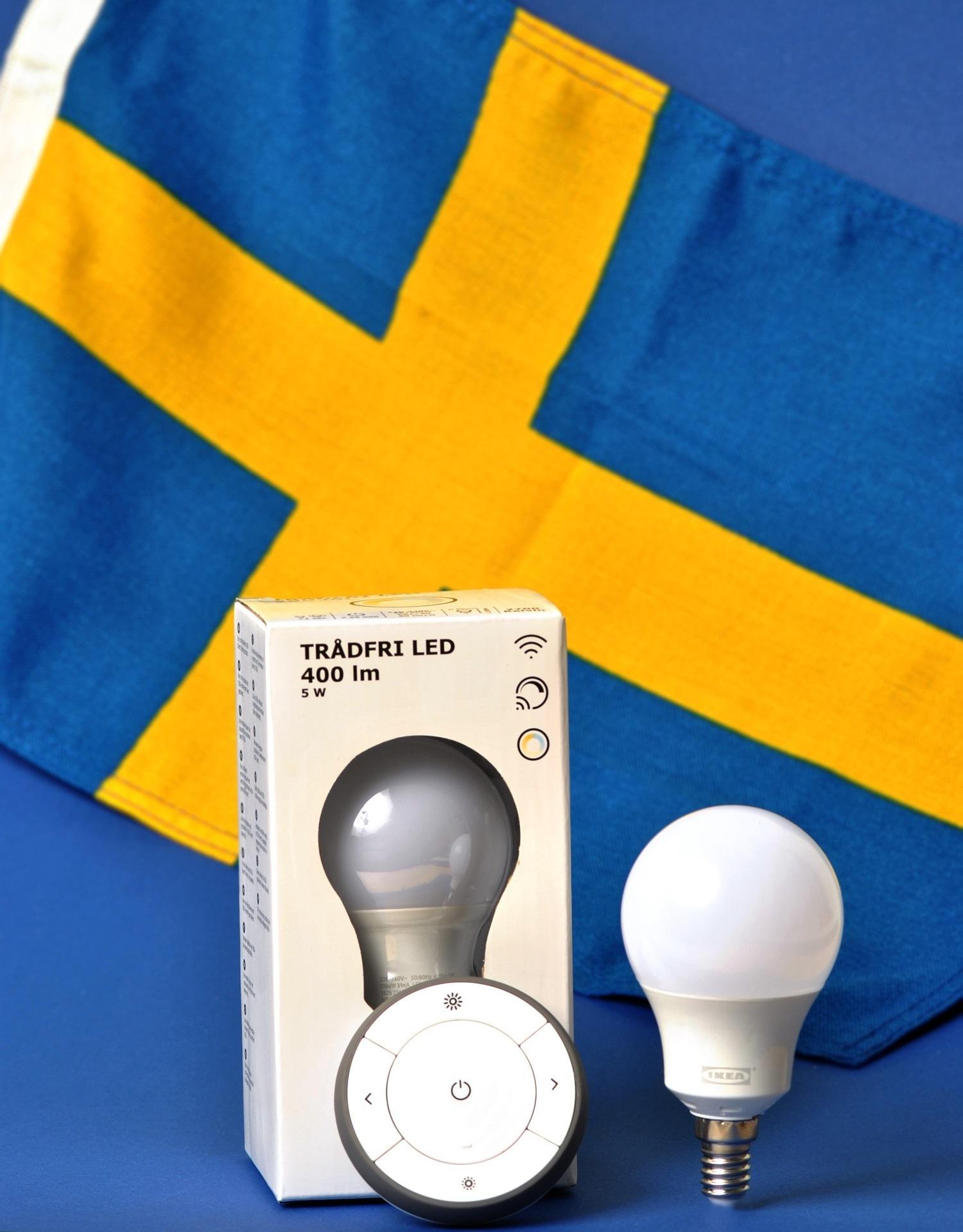 Schwedische Flagge mit Ikea Tradfri Produkten
