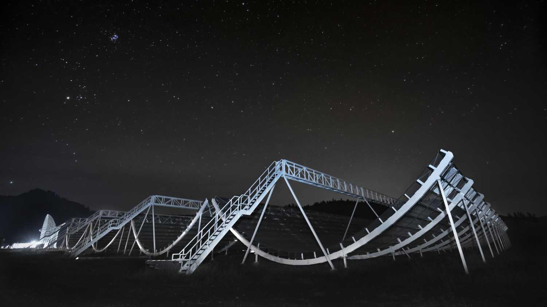 Mysteriöse Radioblitze: Teleskop findet im Probelauf 13 neue Fast Radio Bursts