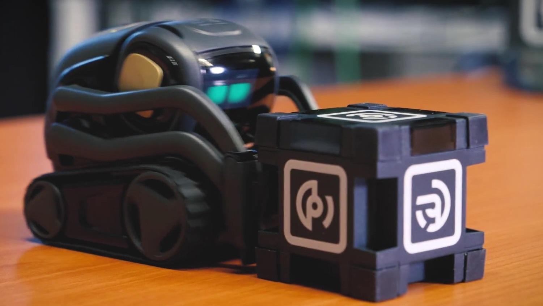 Anki Vector Autonomer Mini Roboter mit Charme und eigenem SDK im ...