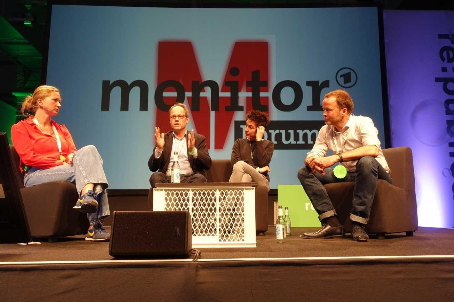 Über Journalismus im Netz diskutierten Silke Burmester, Kai Gniffke, Dunja Hayali und Georg Restle (v. l. n. r.).