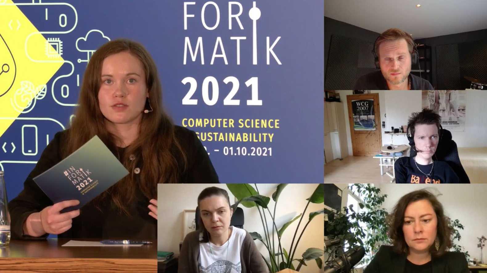 5 Teilnehmer einer Videokonferenz auf einem Bildschirm