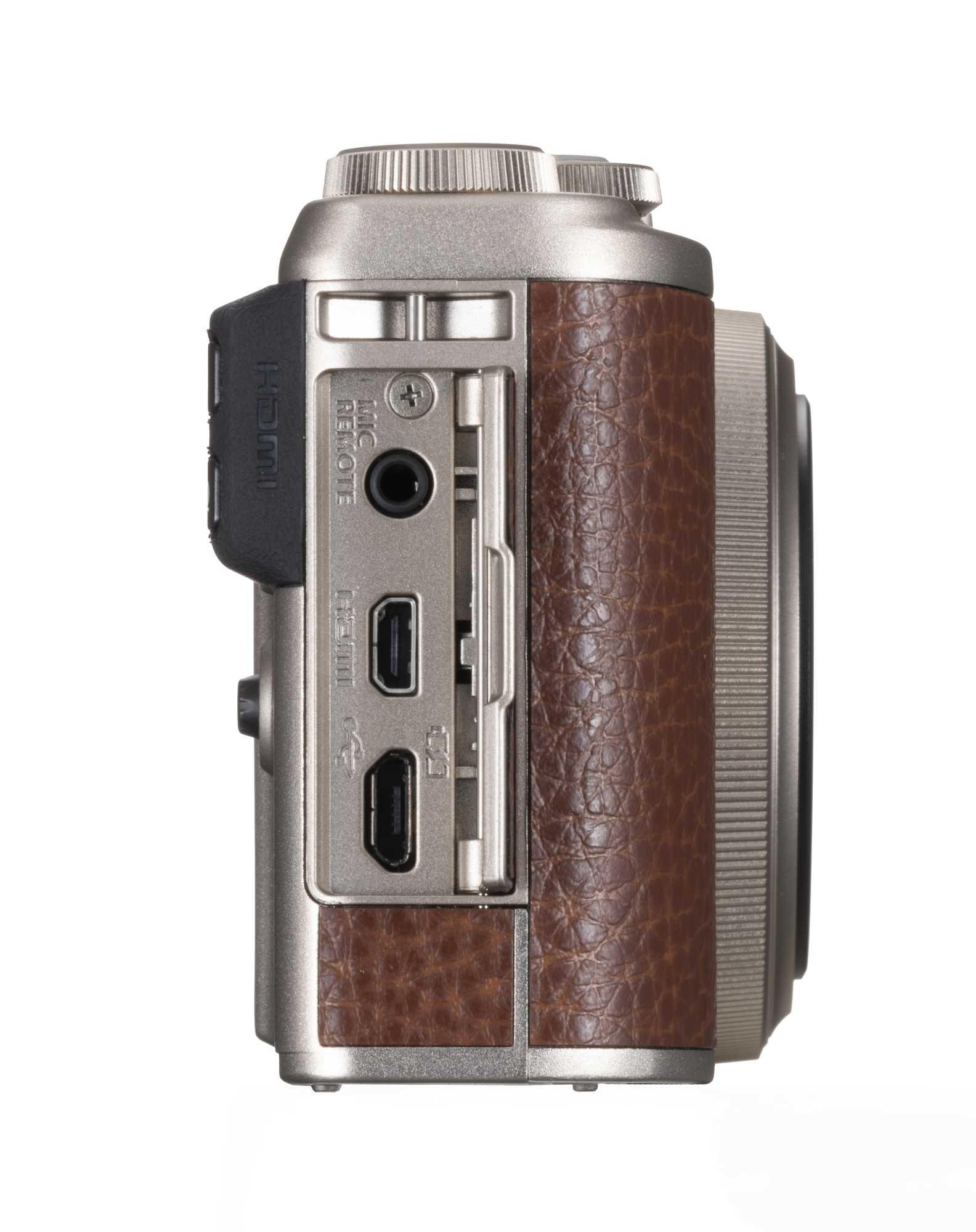 Die Fujifilm XF10 kommt mit Anschlüssen für Mikrofon und Fernauslöser, HDMi (Typ D) sowie Micro-USB.