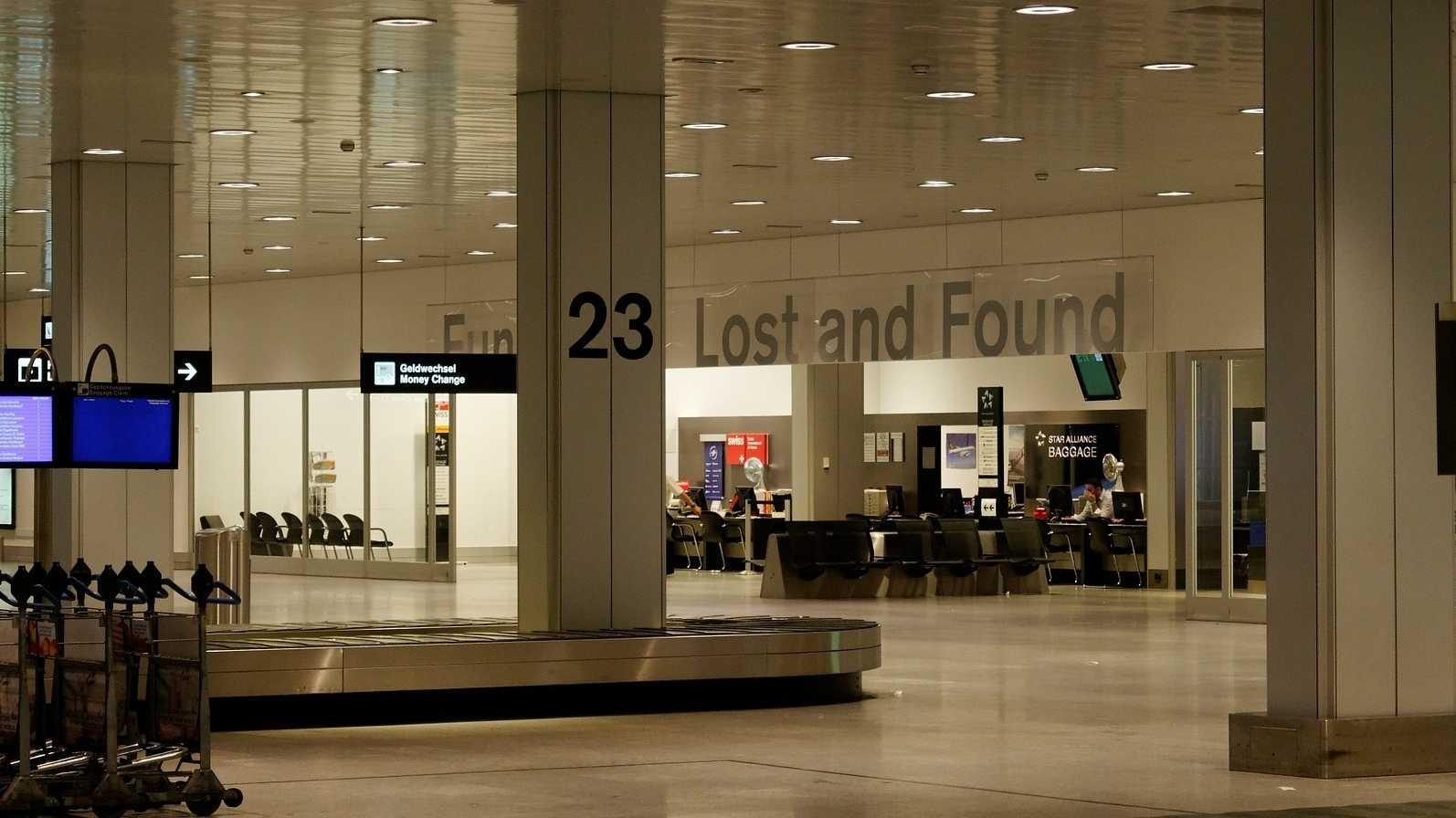 Gut gelandet, Koffer weg: Mit RFID-Chip gegen Verlust von Fluggepäck