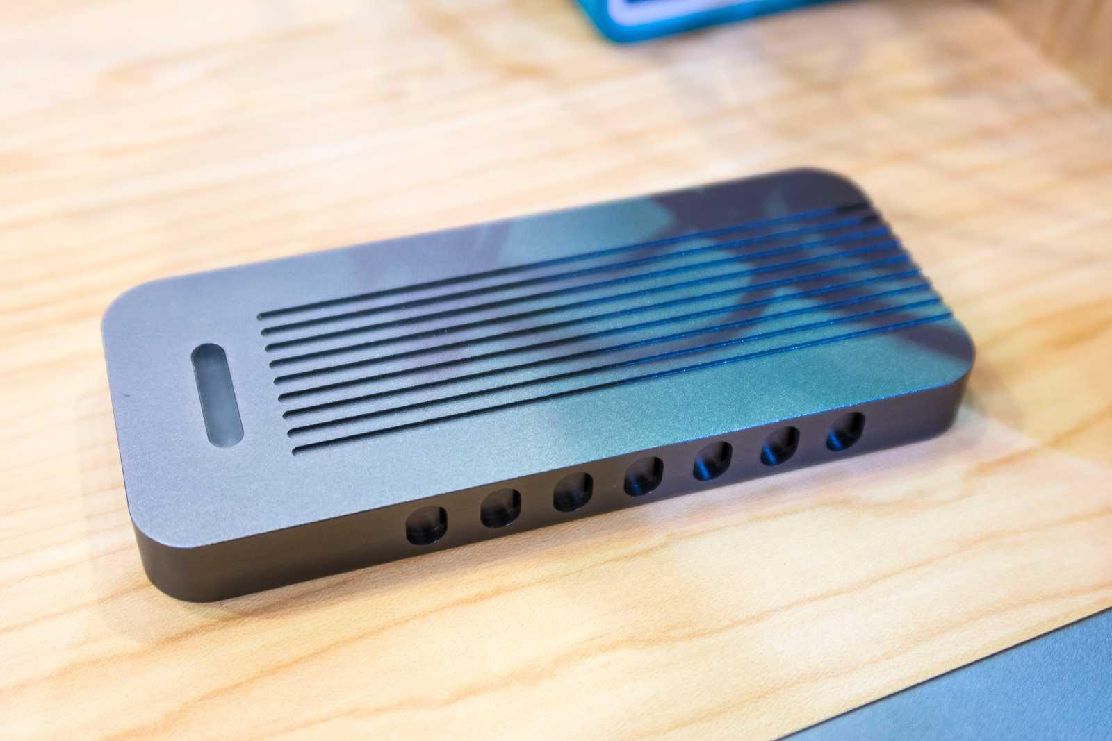 USB-Gehäuse für M.2-SSDs mit PCIe-Interface: Das Silverstione MS11 bindet schnelle SSDs an den USB-Port.