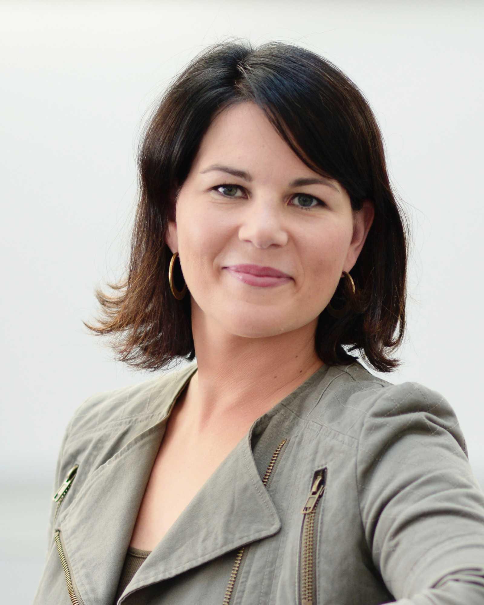 Grünen-Chefin Baerbrock fordert eine schnelle Einigung auf eine europäische Digitalsteuer. Apple, Google, Facebook und Amazon sollen mehr steuern zahlen.