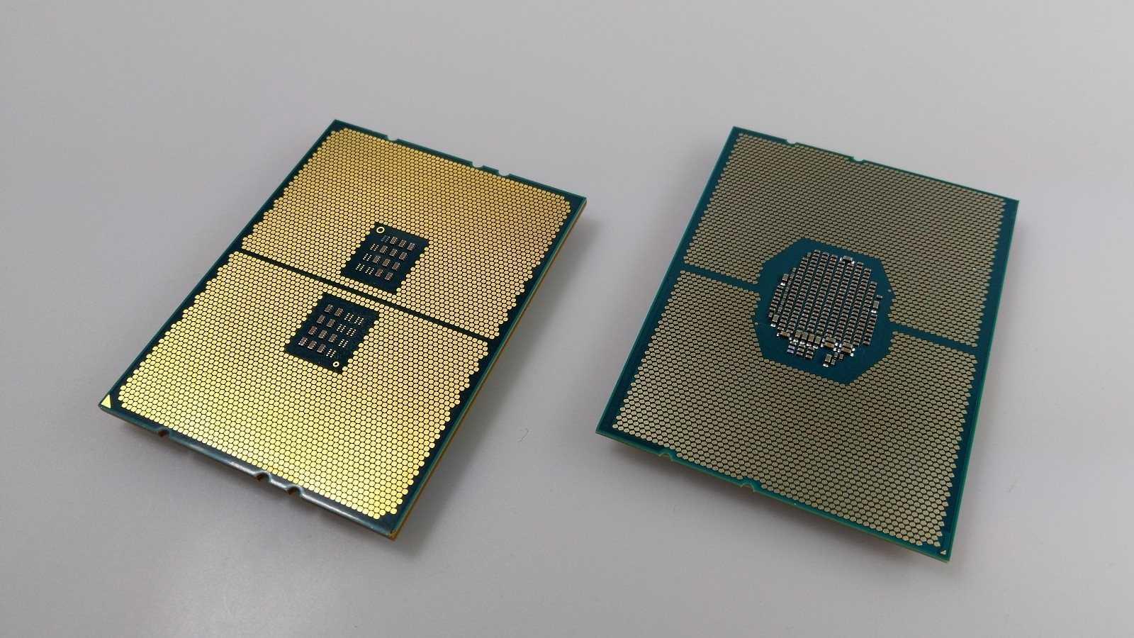 Ryzen Threadripper (links) und Xeon W-3175X unterscheiden sich kaum in der Größe.