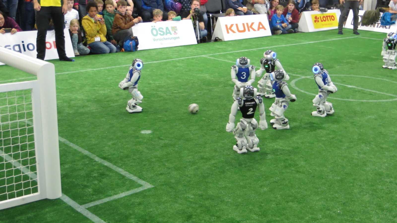 RoboCup: Muntere Finalspiele mit schönen Aktionen