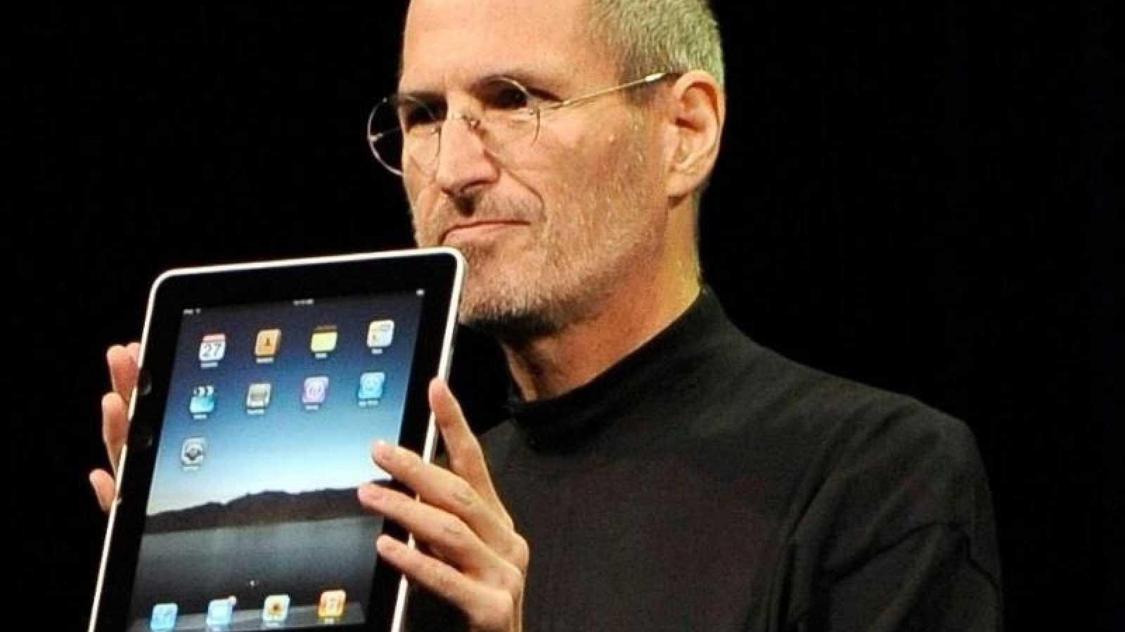 Jobs präsentiert erstes iPad