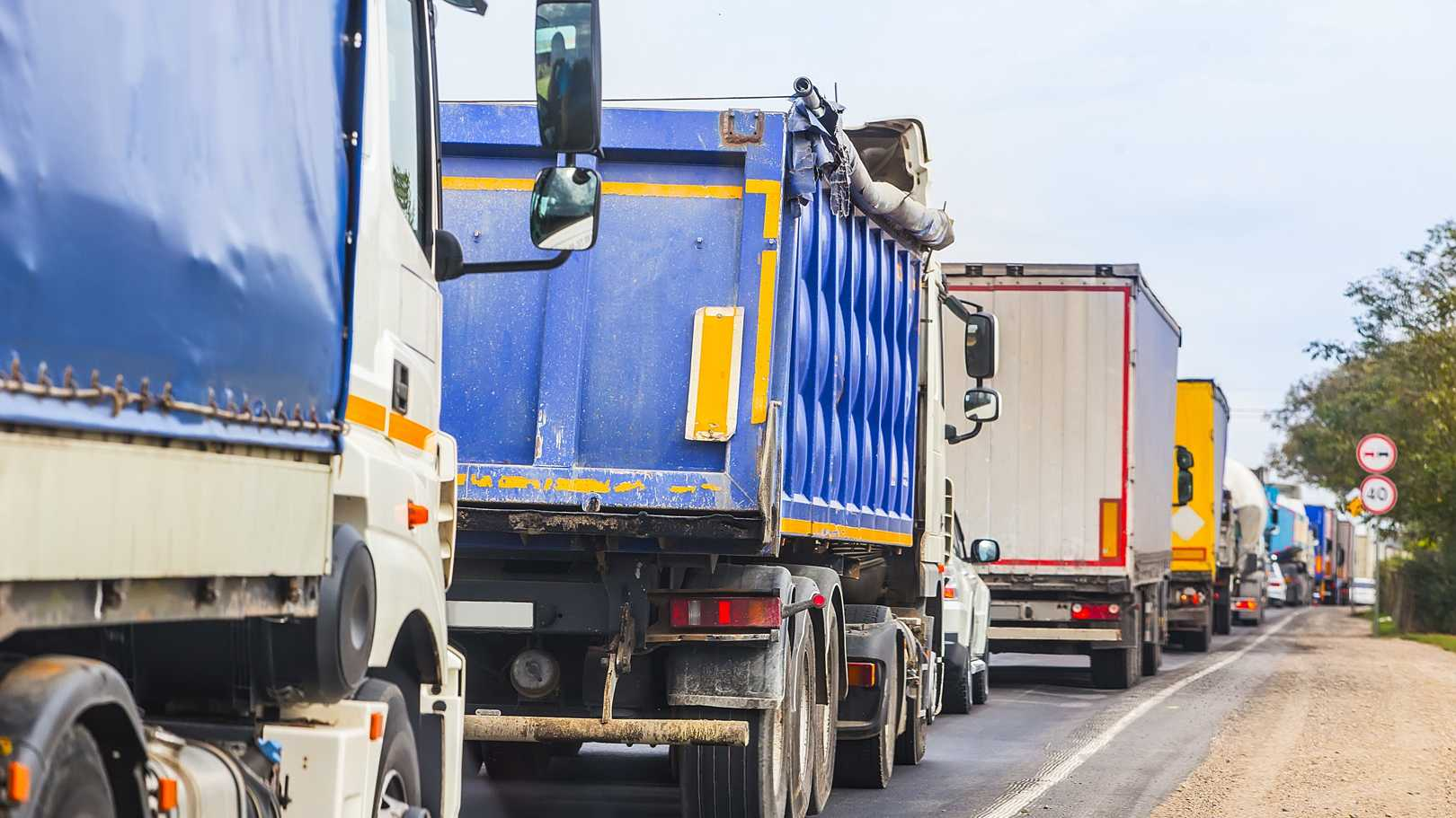 EU-Parlament bestätigt scharfe Klimaauflagen für Lastwagen
