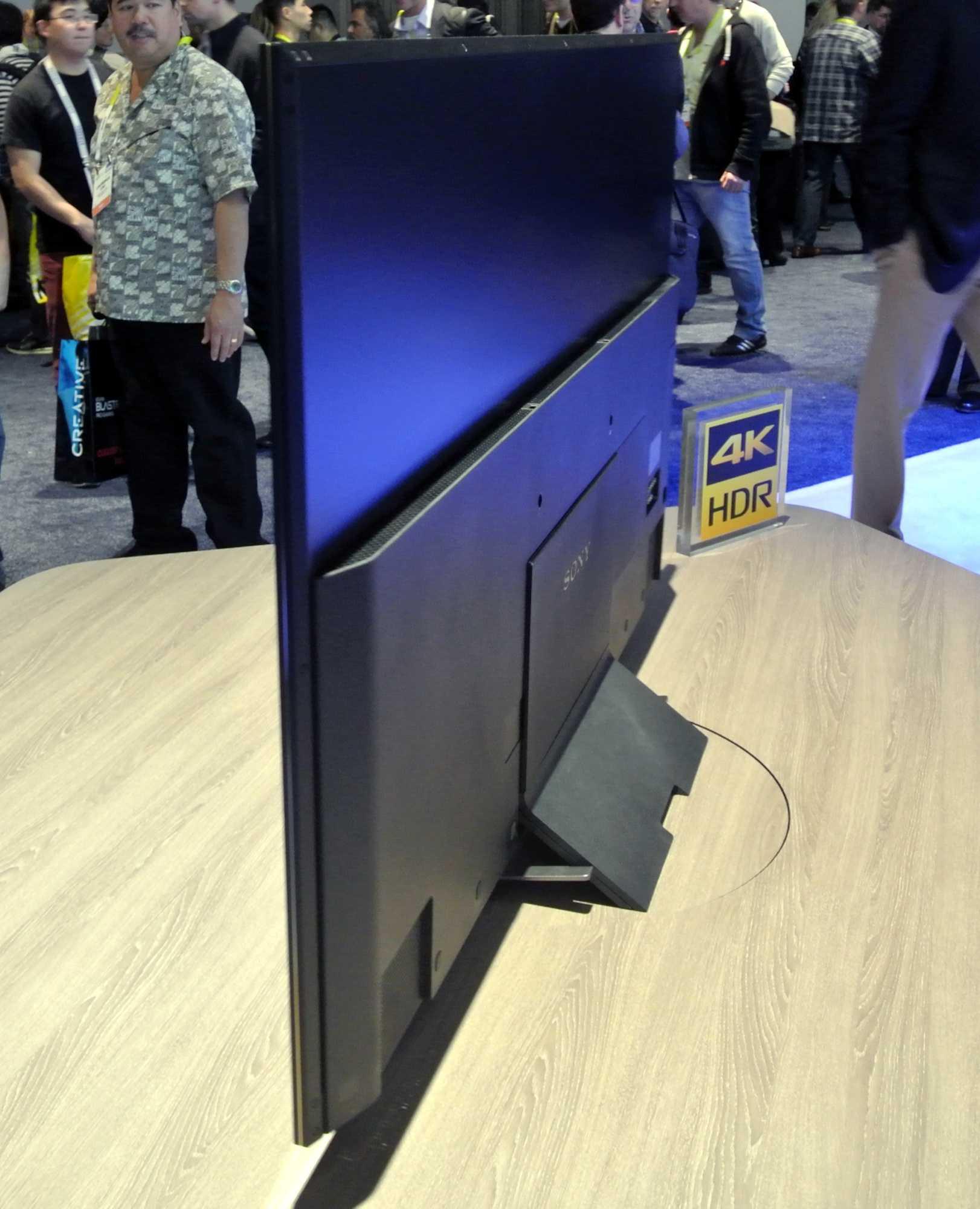 Die Modelle der XD94-Serie tragen trotz Direct LED Backlight nicht sonderlich dick auf.