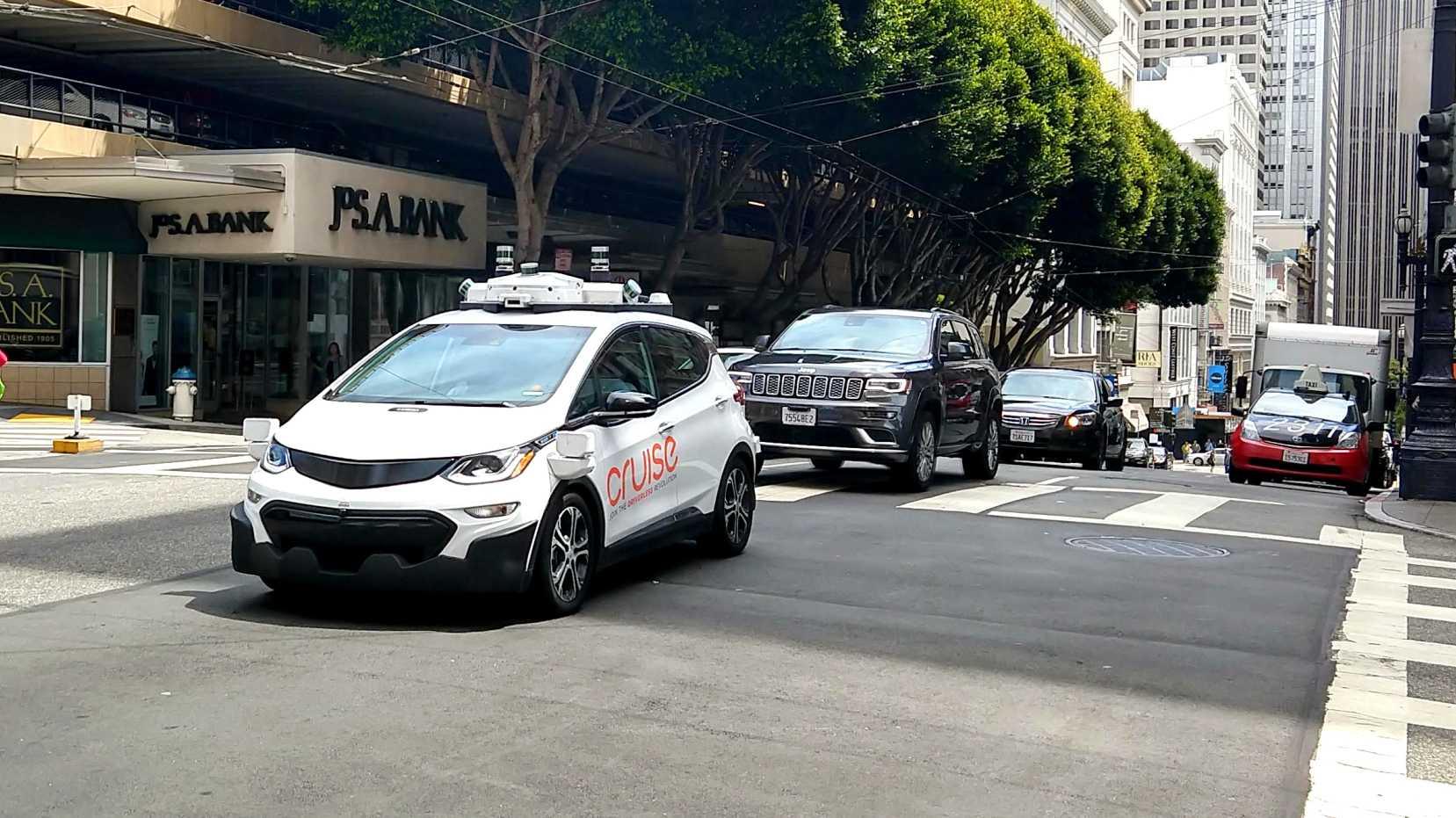 Autonomes Fahren: Wer haftet bei Verkehrsunfällen?