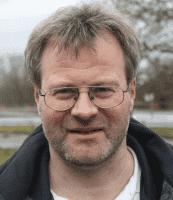 Der Autor Prof. Dr.-Ing. Damian Weber lehrt Kryptographie und IT-Sicherheit an derHochschule für Technik und Wirtschaft des Saarlandes.
