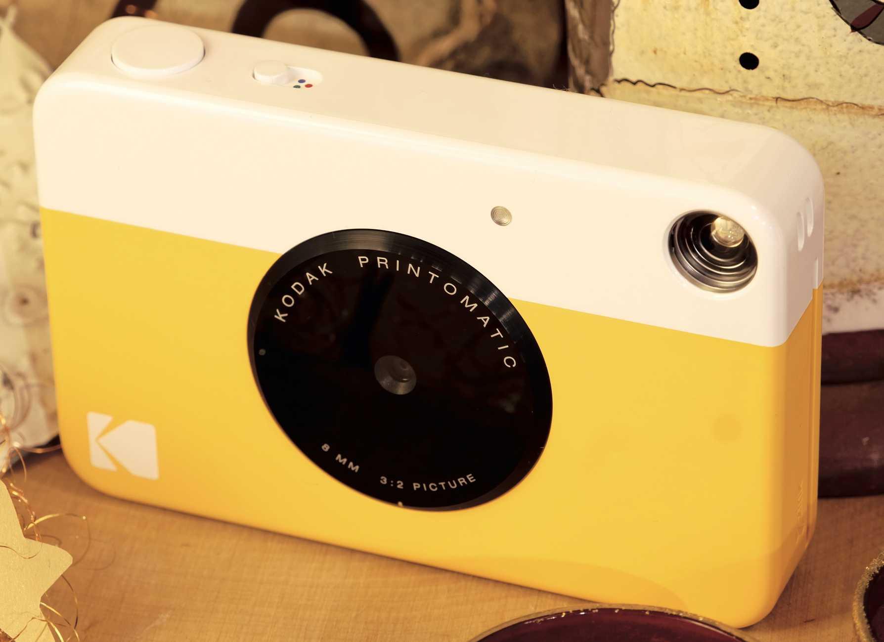 Die Kodak Printomatic lässt sich einfach bedienen und nimmt nicht viel Platz in der Tasche ein.