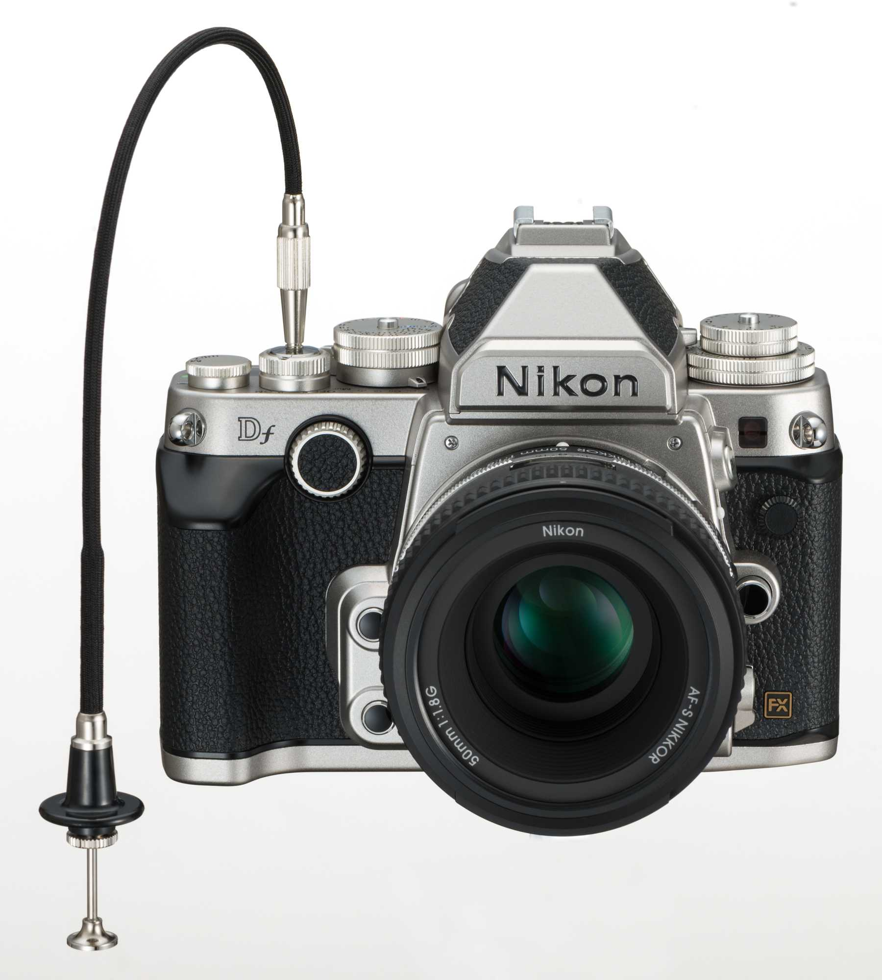 Der Auslöser der Nikon Df bietet sogar die Möglichkeit, einen mechanischen Fernauslöser anzuschließen.