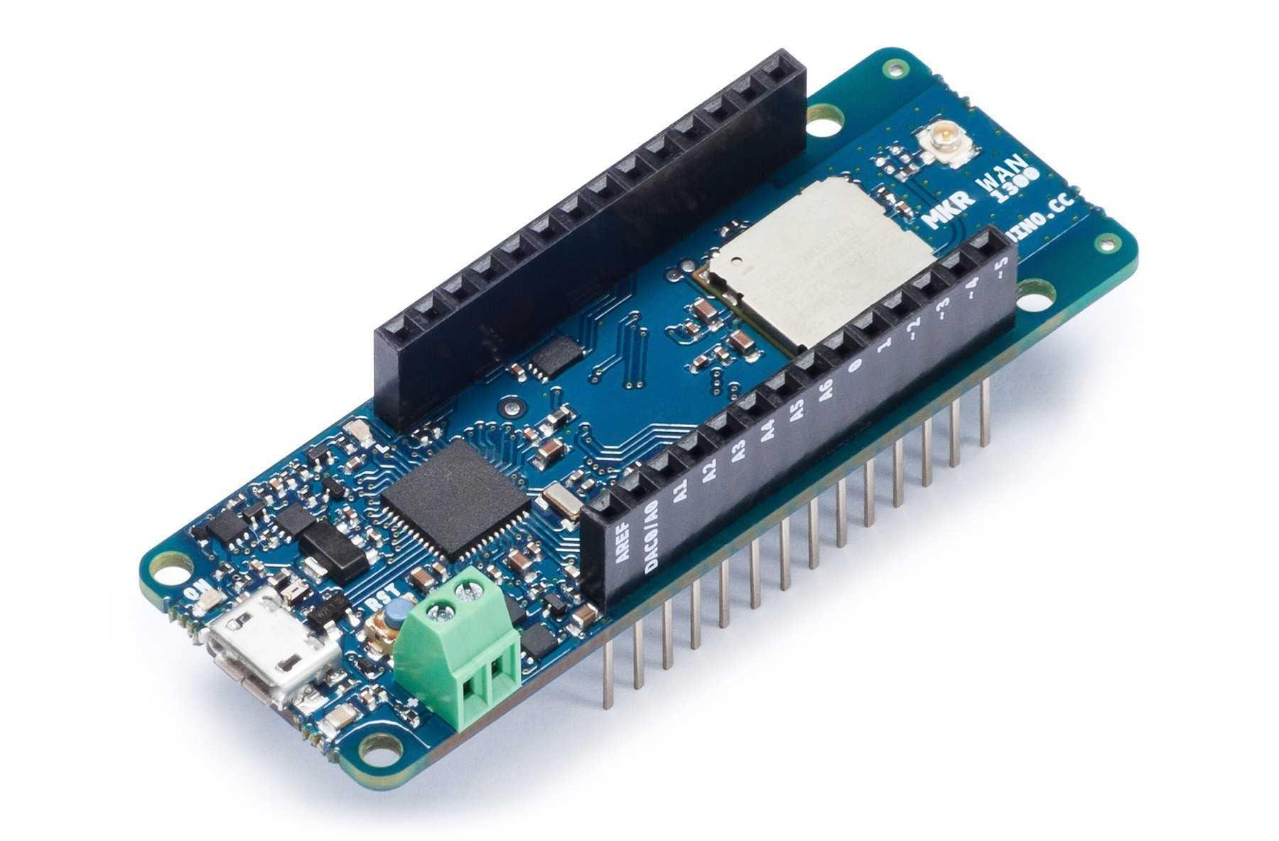 Ein schmales blaues Board