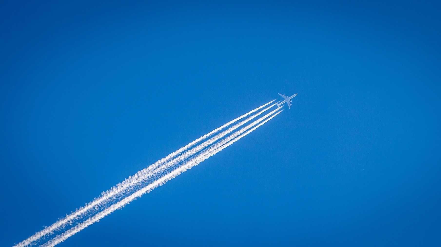 EAN: Im Flugzeug per WLAN surfen