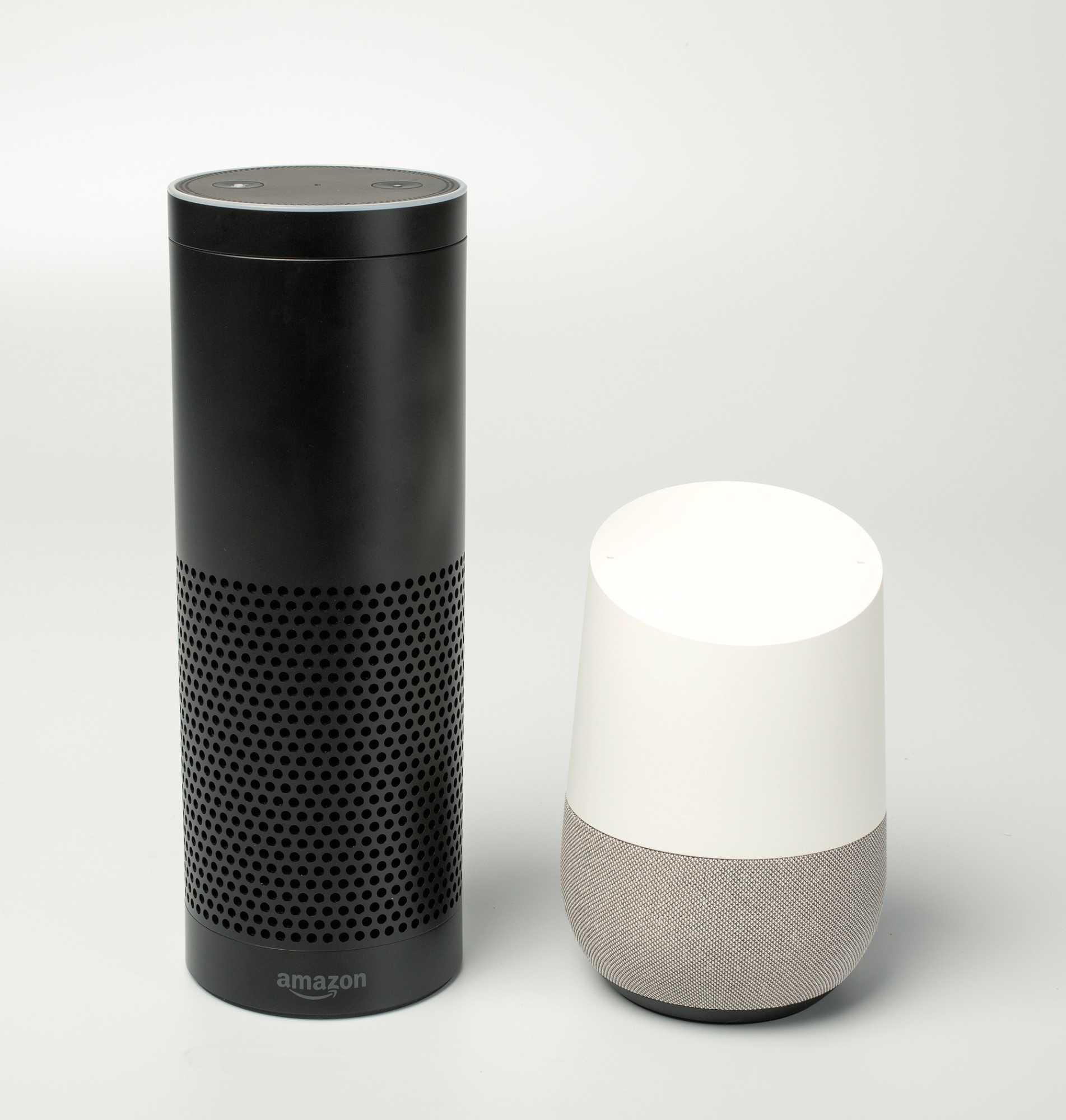 Mit dem Amazon Echo (links) und Google Home begann der Sprachassistenten-Boom.