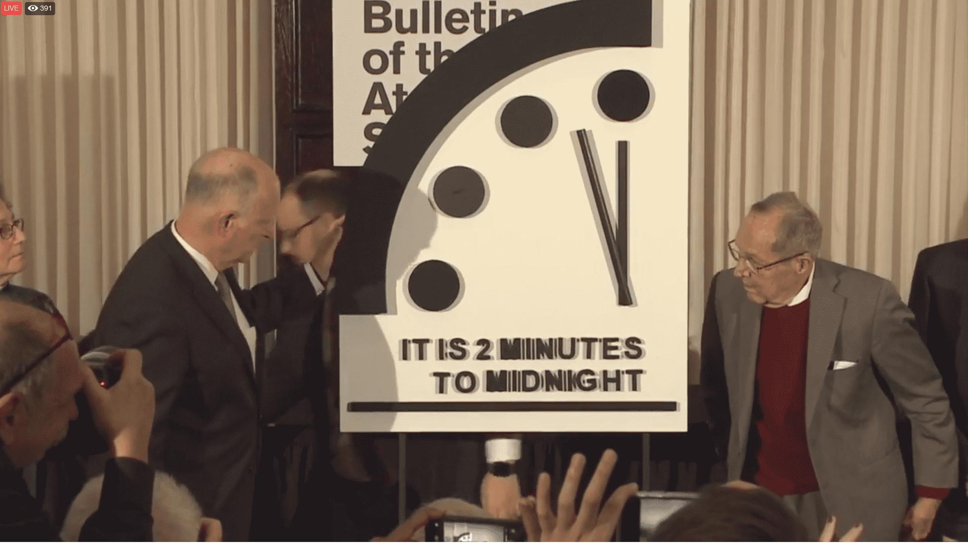 Doomsday Clock bleibt bei 2 Minuten vor 12